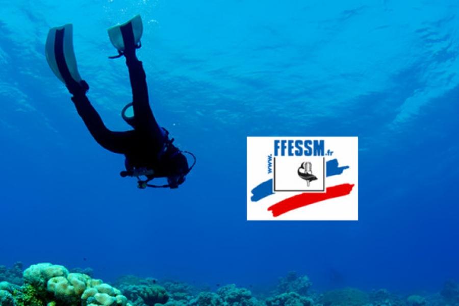 plongeur et logo de la ffessm